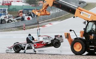 hamilton nurburgring 2007 truck marshal mclaren